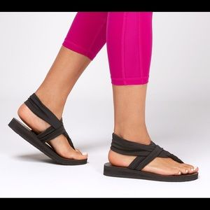 SKECHERS Yoga Foam Thong Sandals
